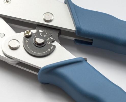 System Handcrimpzange © Copyright   Eisenacher elektroTECHNIK GmbH